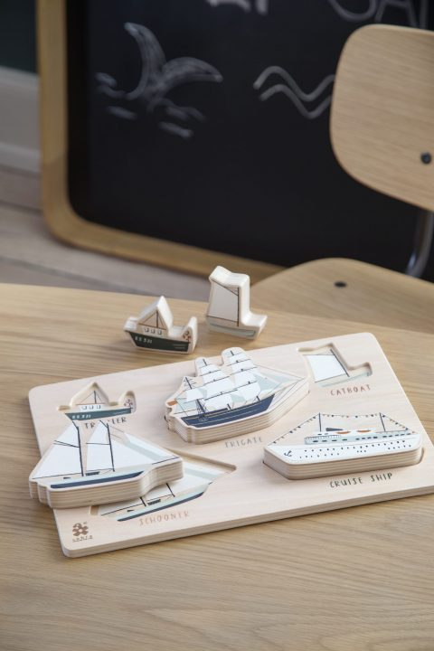 Kräftiges Puzzle aus Holz, Seven Seas